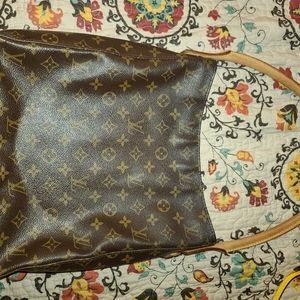 Louis Vitton Large Zipper Looping Shoulder bag